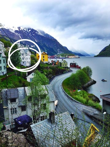 Water view basement apartment room1 - Odda - Huis