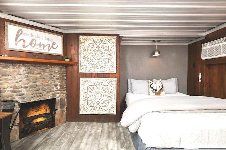 Love Nest Cottage E: ☆ Downtown Gatlinburg
