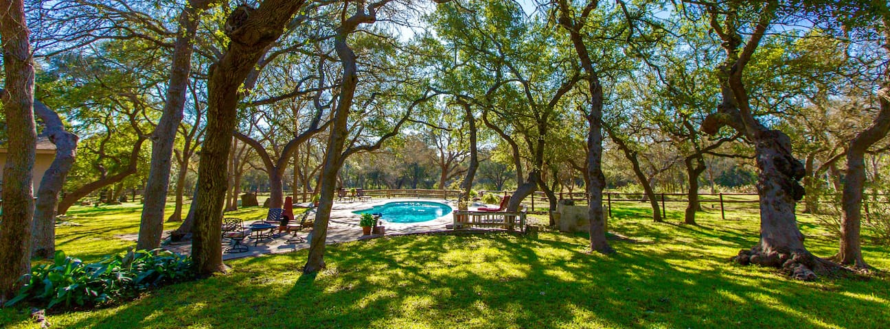 Tonne Oak Ranch - New Braunfels - Ev