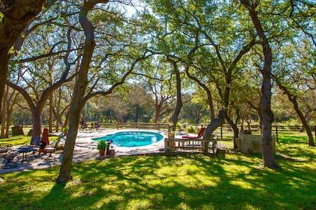 Tonne Oak Ranch - New Braunfels