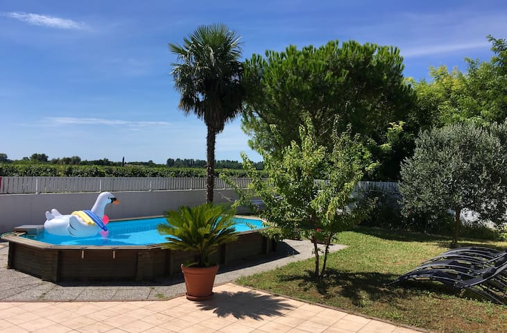 BEAUTIFUL HOME LIGNANO // WITH SWIMMING POOL - Pertegada - Hus