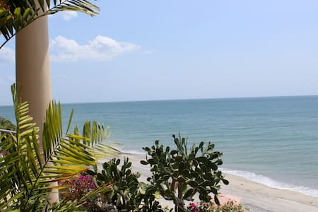 Beachfront - The Golden Cowry Suite - Panama City - Kondominium