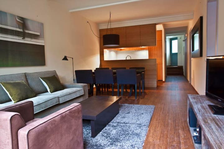 2900 - AB Luxury Palace - Bright and spacious three-bedroom with pool and terrace in Sarrià
