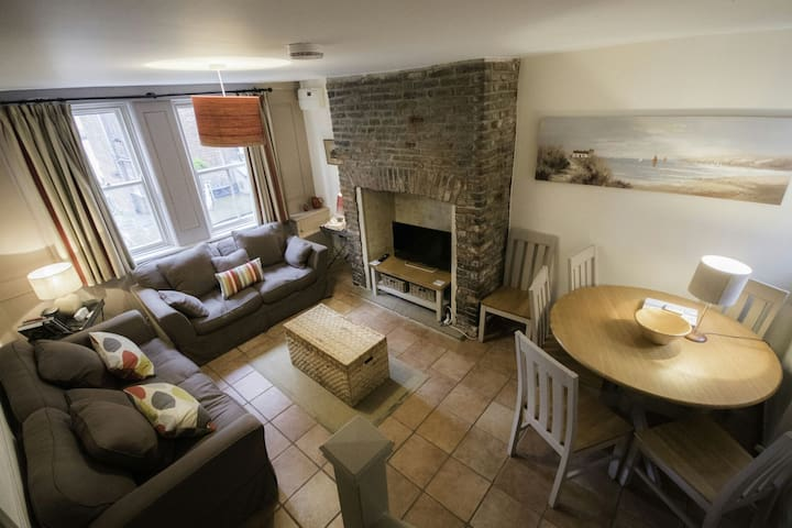Fishermans cottage with sea view - Whitby - Casa