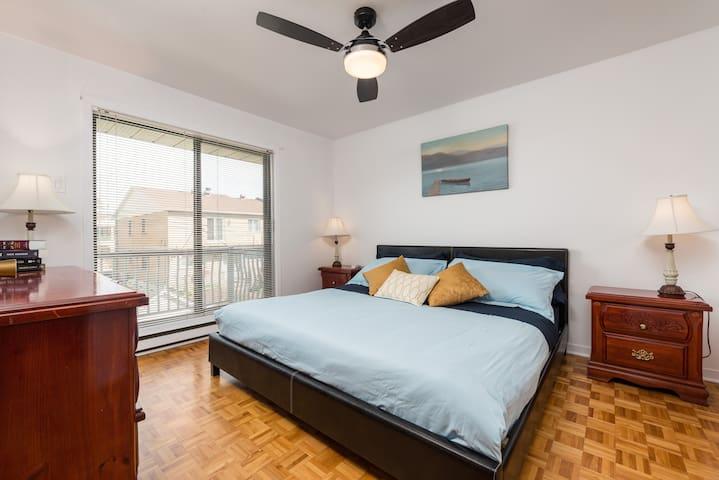 1 - COZY 2 BEDROOM FLAT IN AHUNTSIC!! FREE PARKING