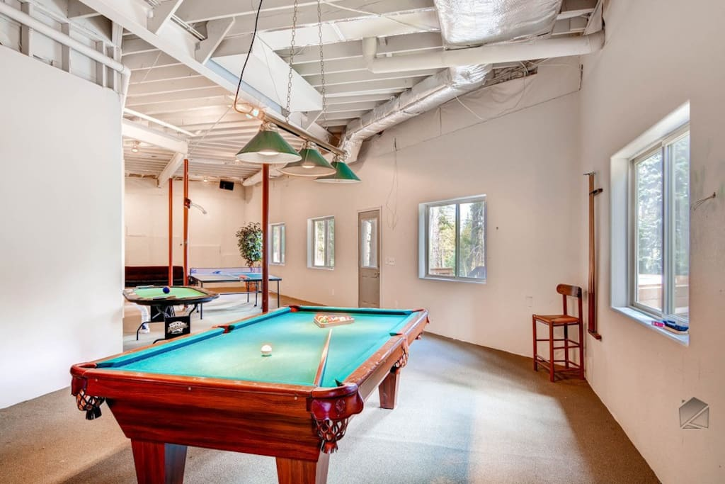 Fancy a game of pool? Or ping pong? The kids will love coming home after a day on the slopes and playing in the game room.