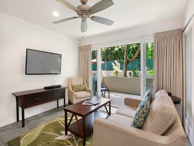 Stylish Upgrades! Gourmet Kitchen, Lanai, Flat Screen, WiFi, Den–Kauai Kailani K118