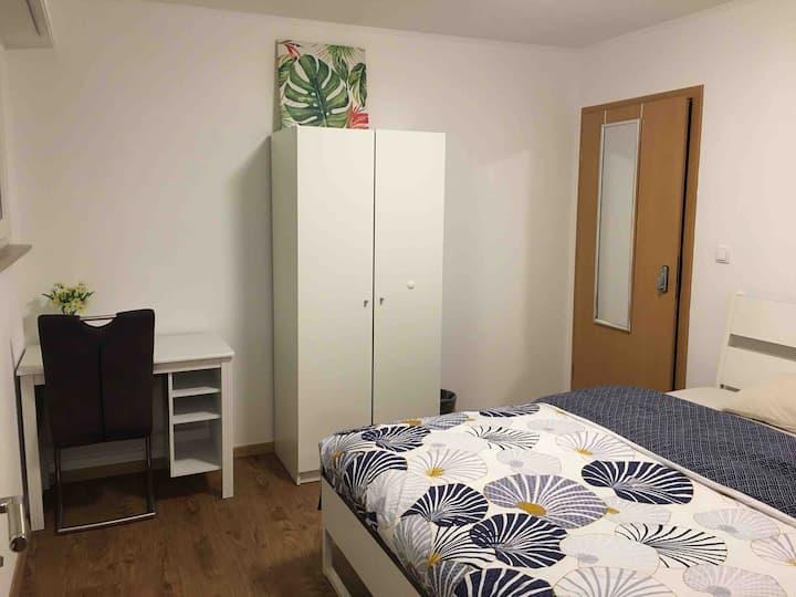 (Strassen Room+private WC+🚿)舒适房间带私人卫生间104