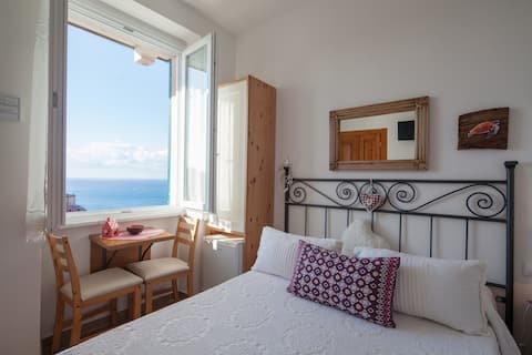 sea view, fresh breakfast, privacy