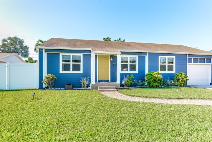 The House With The Yellow Door In The Heart Of Wpb Houses For Rent In West Palm Beach Florida United States