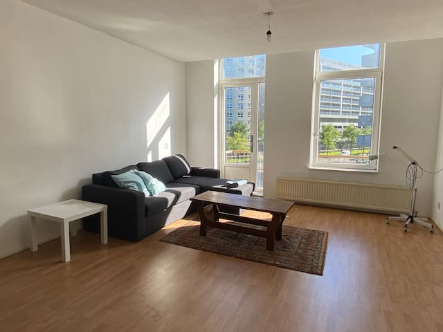 Spacious appartement for city nomads