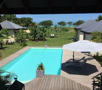 Poé Côté Lagon, Nouvelle Calédonie - Poé - Μπανγκαλόου