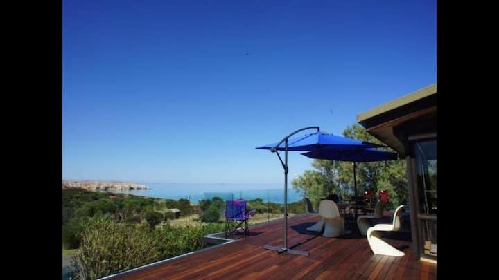 Villa AcquaViva Beach side home