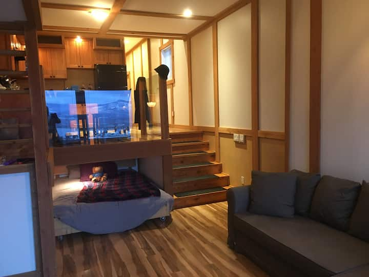 Panoramic Lakeview Suite