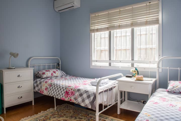 Ashgrove - Guest suite in character house