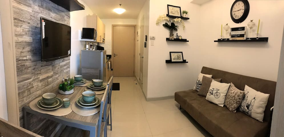 Cozy, Modern, Furnished home at Grass Residences