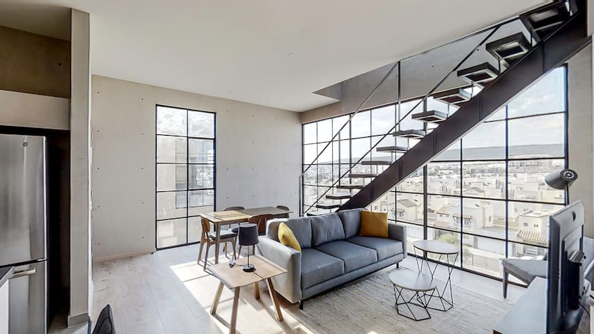 Incredible Pent House With Private Roof Garden