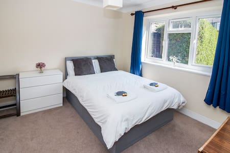 Double Room in Abbey Wood with Netflix