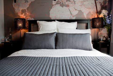 Shades of Grey Double Room-Twyford Treinstation