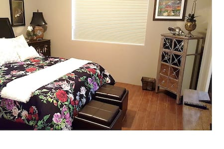 Newly Furnished Guest Room in PGA West - La Quinta - Talo