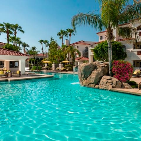 Old Town Luxury Resort Style - Scottsdale - Bed & Breakfast