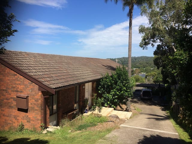 Spectacular Northern Beaches 4 Bedroom Home - Warriewood