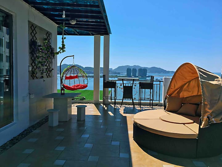 三亚湾【天空之镜】超大露台270度一线高空豪华海景220平(含露台观海台)步行2分钟到海边(可加床)