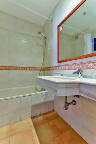 Twin Room in OYO Casa Rural La Chata