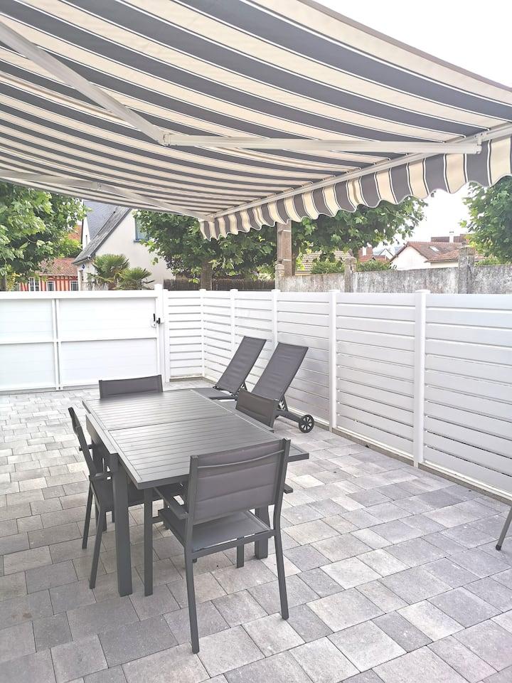Maisonnette avec terrasse dans éventail de Cabourg