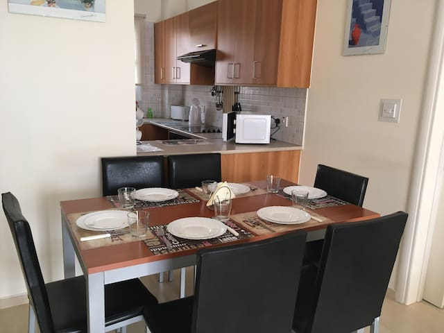 Relaxing two bedroom apartment in Mandria, Paphos