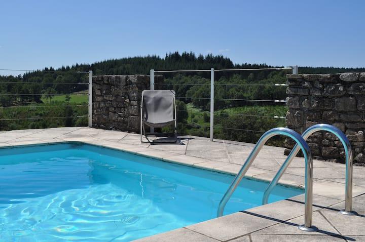 Location villa en Corrèze avec piscine 8 personnes