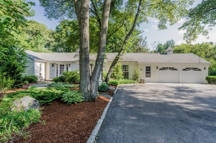 Sunny Country Cottage in Hamilton/Wenham - Wenham - Dom