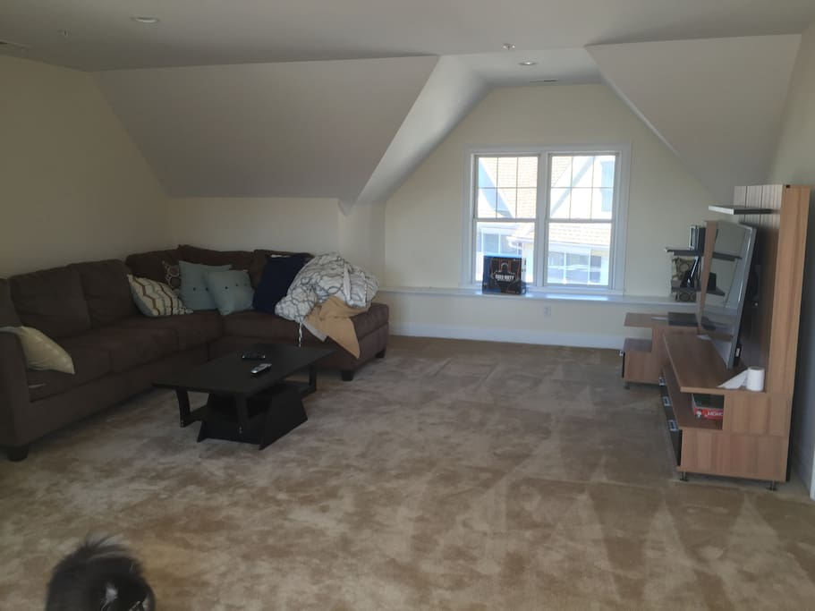 Private loft area - furnished as shown with TV (HBO/SHOWTIME)