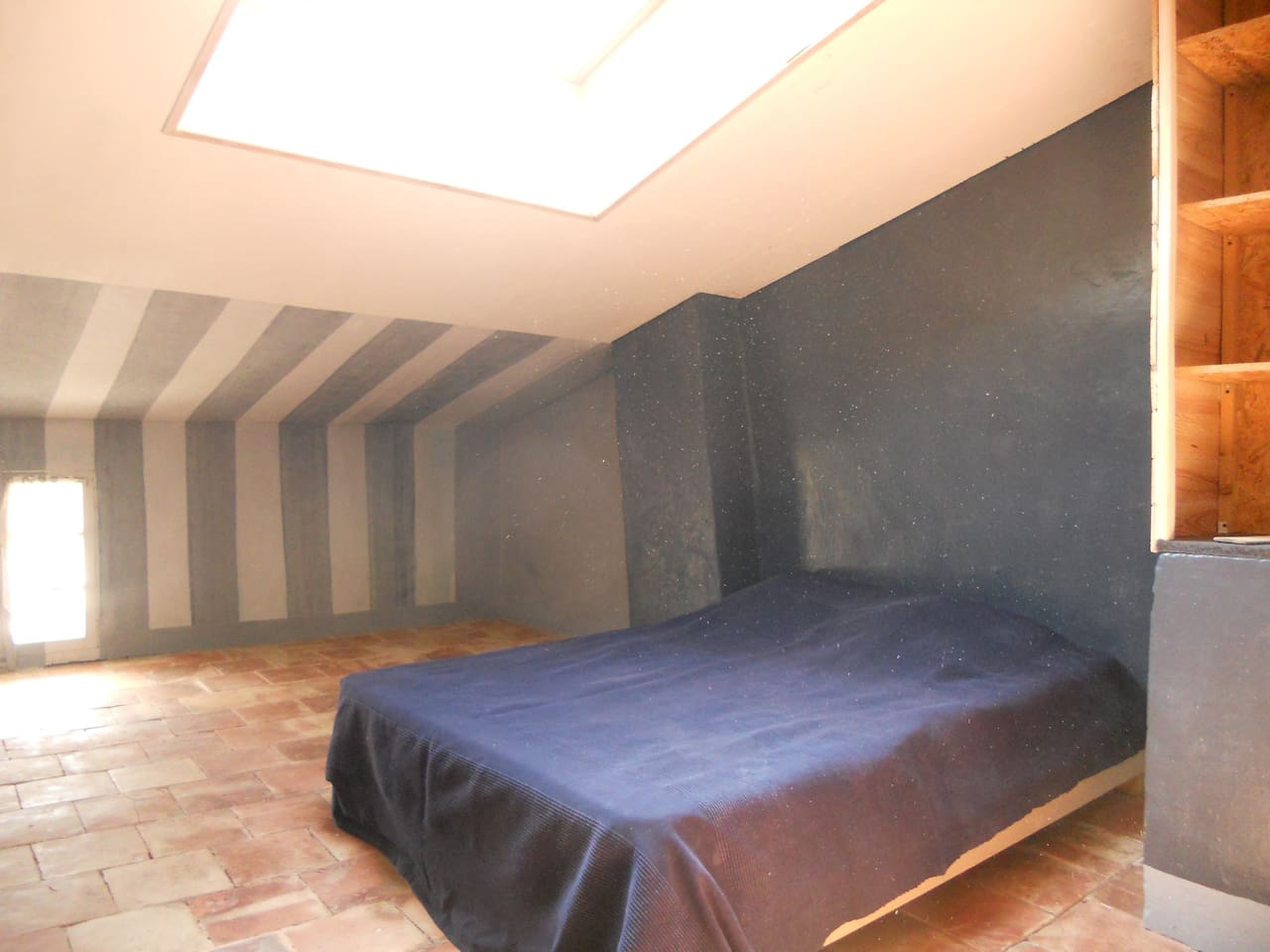 Chambre bleu sous les toits