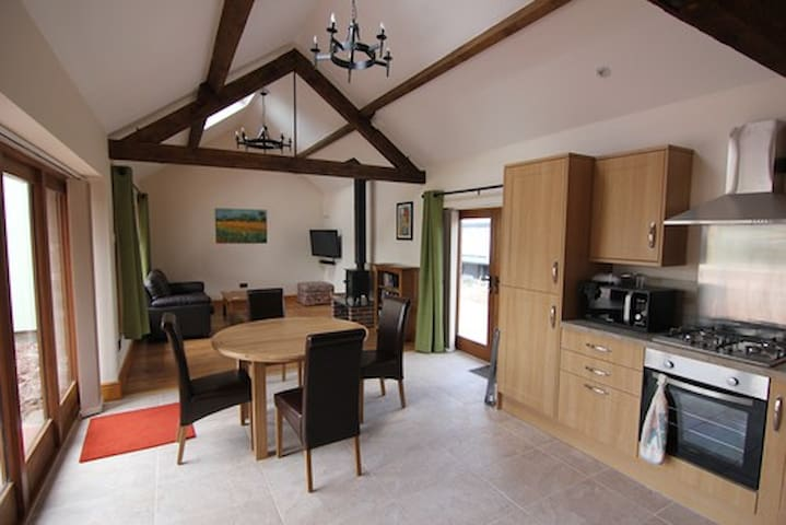 Old Hendre Farm Holiday Let - Monmouth - House