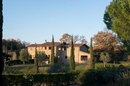 Farm-house in Tuscany in a Hamlet - Montorgiali - 別荘