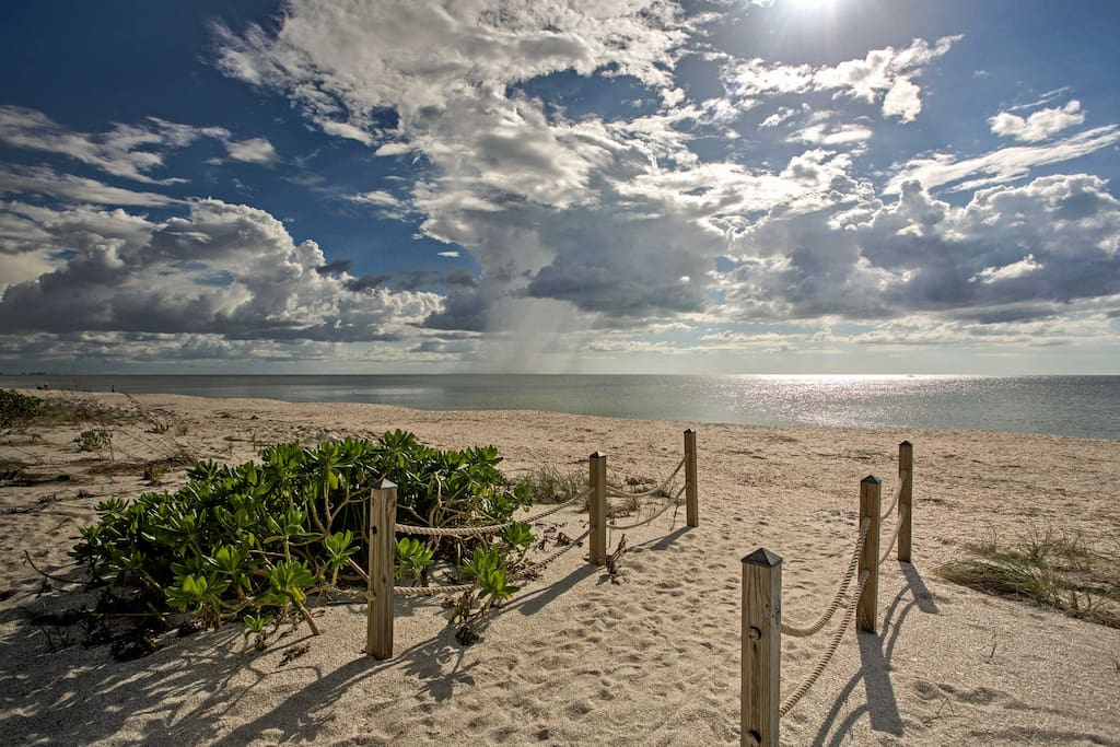 Just steps away are sparkling white sand beaches with immaculate panoramic views of the Gulf.