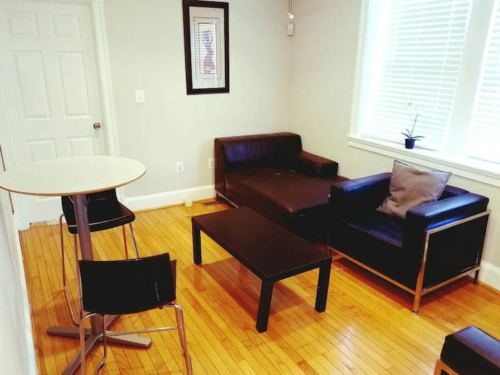 Gorgeous cozy room available in the heart of DC