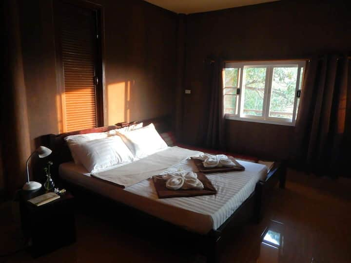 Baan Rao Bed & Breakfast - Seaview Aircon room