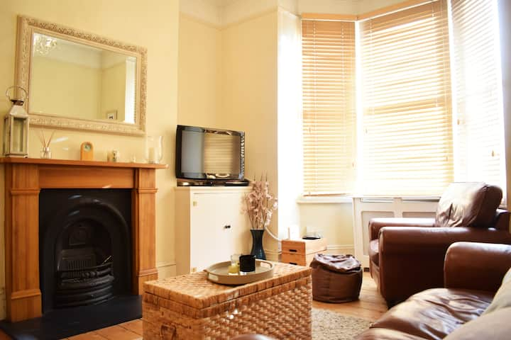 Fantastic 1 bedroom apartment right by Clapham