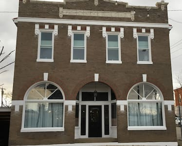 1 Bedroom Hideaway in Historic Downtown Owensville