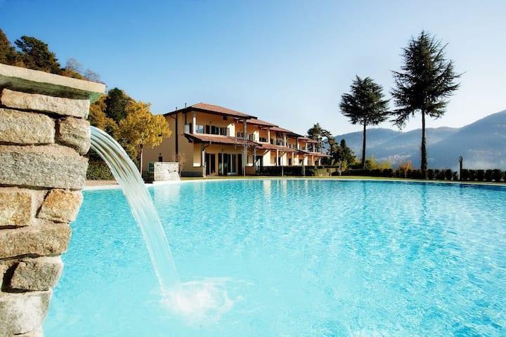 Tremezzo residence 1, sleeps 6 with swimming pool