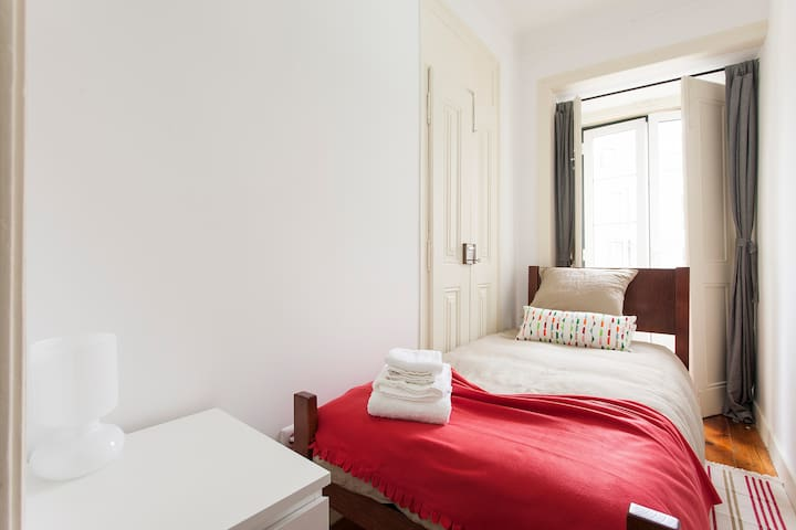 Nice single Room city center 6