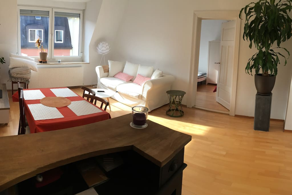 perfect location munich center apartments for rent in m nchen by germany. Black Bedroom Furniture Sets. Home Design Ideas