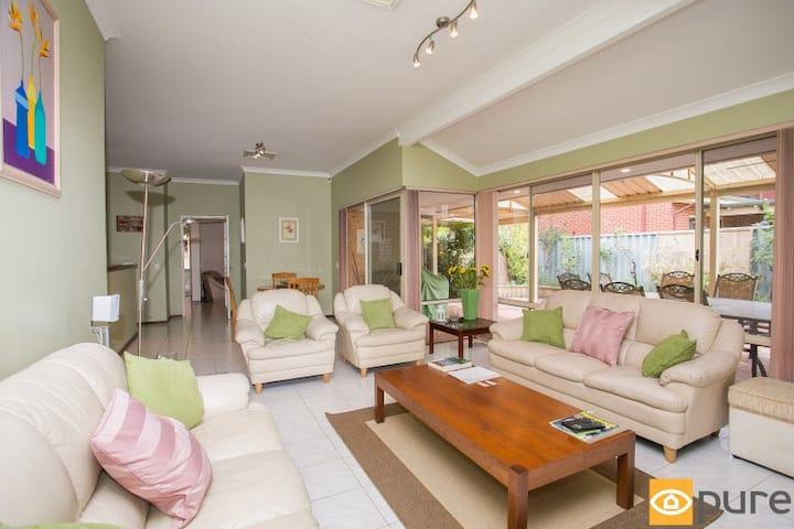 Modern Queens size Bedroom in Leafy Applecross