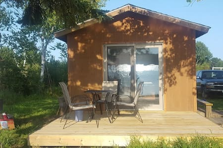 Lakeside Sleeper Cabin on Big Lake near Cloquet
