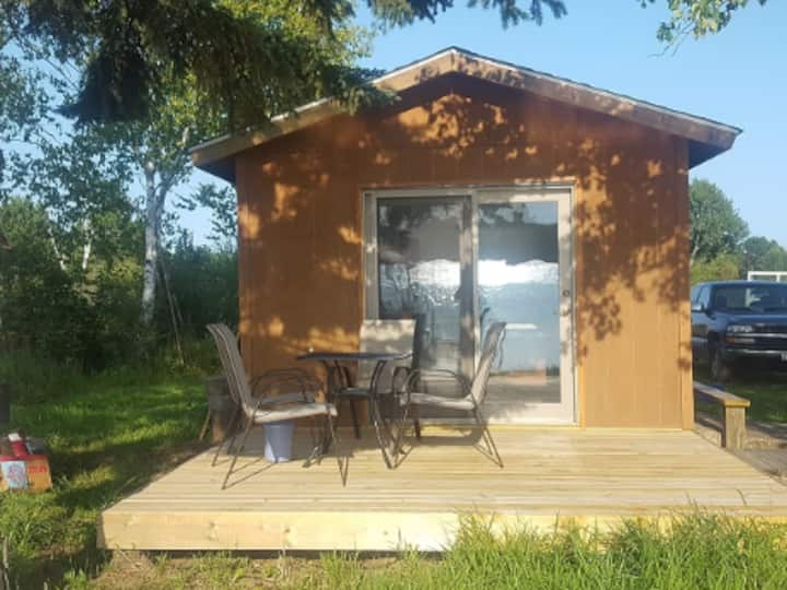 Lakeside Sleeper Cabin on Big Lake near Cloquet