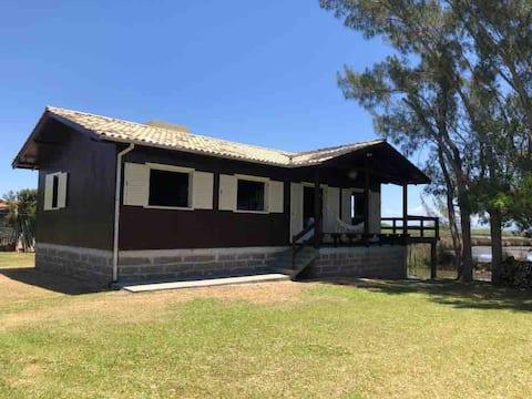 Casa na Barra do Camacho, next to Farol