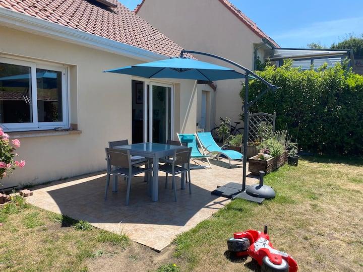 Belle maison avec jardin sud-ouest 5mn de la plage