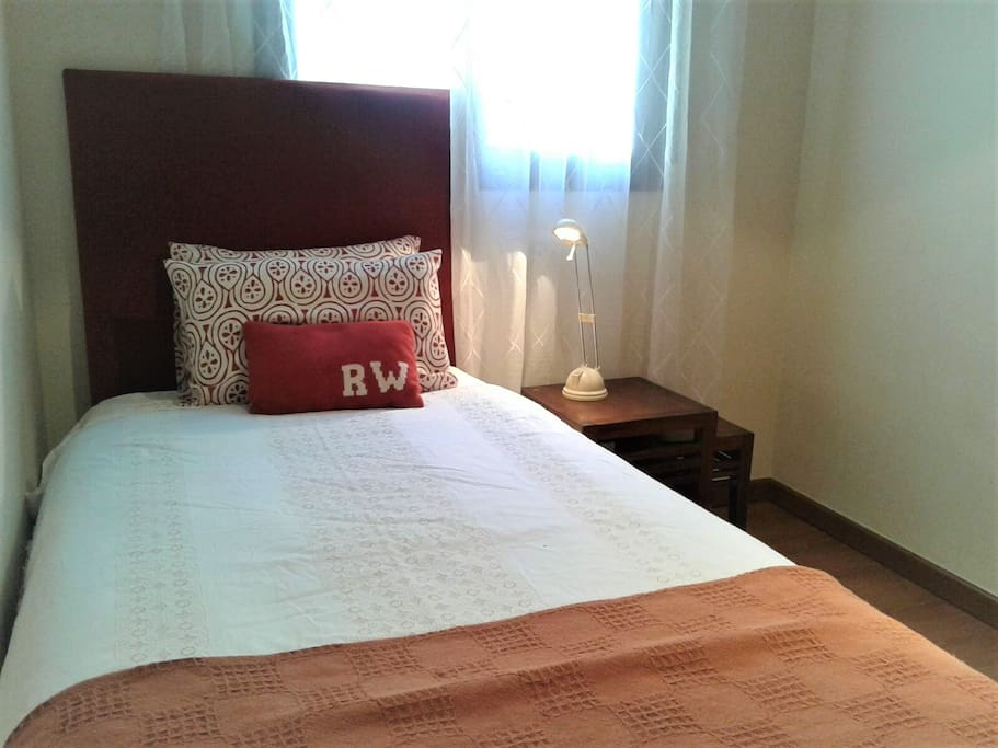 Room 1 pax